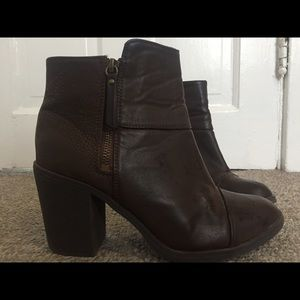 Women's Ankle Boots (9)